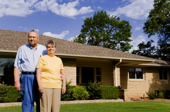 senior_couple_home_reverse_mortgage